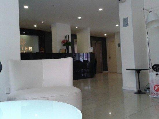 After Hotel Montevideo: La recepción