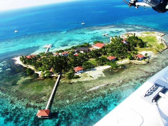 Hatchet Caye Resort: Aerial Photo of Hatchet Caye Belize