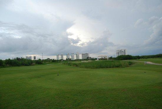 Vista Puerto Cancun Golf Course