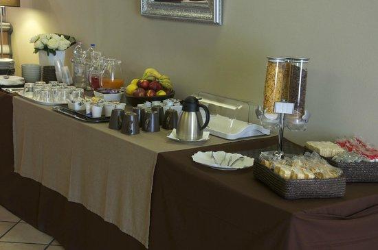 Hotel Bert : buffet sala colazioni