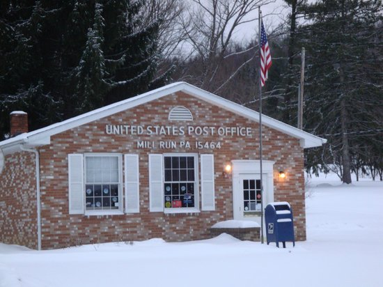 Country Seasons Bed & Breakfast Inn: Our tiny Mill Run post office