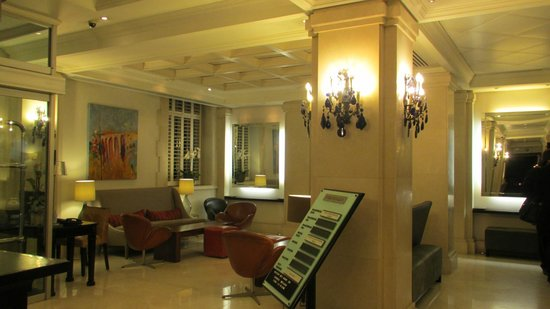 London Bridge Hotel: Lobby