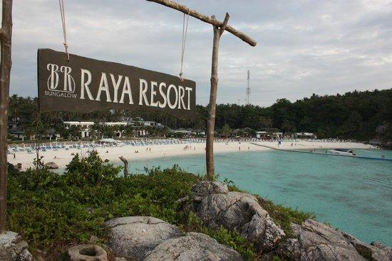 Bungalow Raya Resort: Vista dalla collinetta dei Bungalow