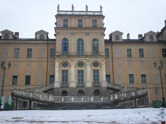 Villa della Regina: facciata