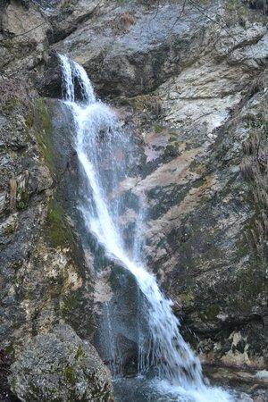 La Camosciara: cascata