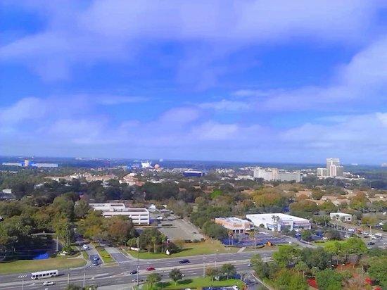 Blue Heron Beach Resort: Daytime view of WDW, Disney suite