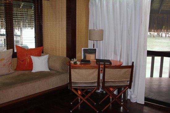 Sofitel Moorea Ia Ora Beach Resort : Inside Bungalow