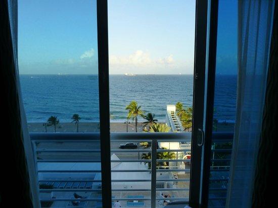 The Westin Beach Resort, Fort Lauderdale : ocean view room 8th floor