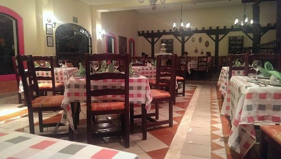 Occidental Cozumel: Empty Dining Room