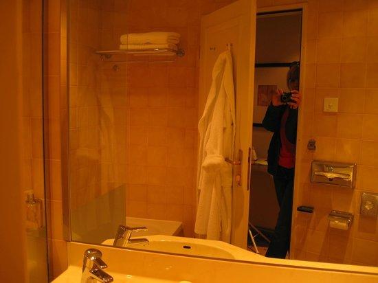 Corinthia Hotel Prague : Ванная комната