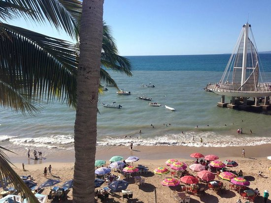 Emperador Vallarta Beachfront Hotel & Suites: view from my junior suite 309