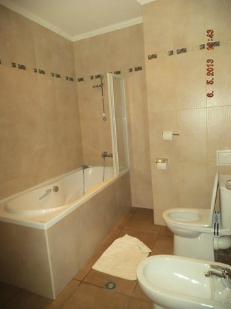 Swiss Hotel: ванная