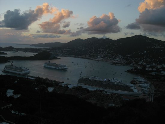Skyride to Paradise Point: Relaxing place to watch the cruise ships leave St. Thomas