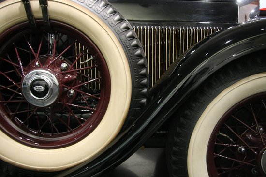 LeMay - America's Car Museum: Lincoln 1 Brougham 1930