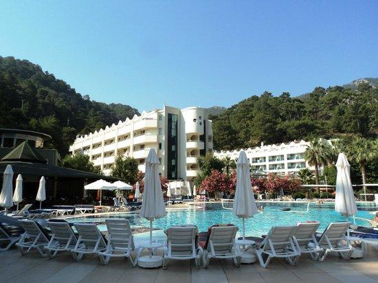 Turunc Hotel: Отель утром