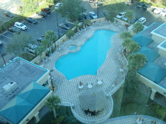 Crowne Plaza Orlando Universal: Pool outside our room