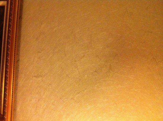 Hotel Neva - Paris : Mouton de chaleur sur le mur