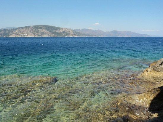 Turunc Hotel: Море за гротом