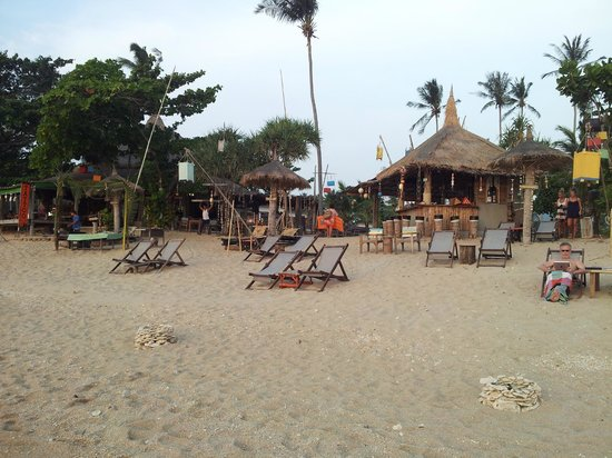 Coco Lanta Resort: le bar vu de la plage