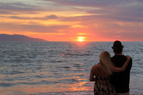 Marriott Puerto Vallarta Resort & Spa : Perfect Sunsets!