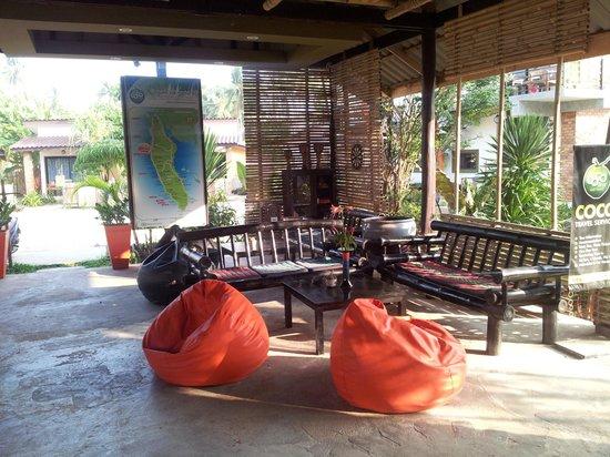 Coco Lanta Resort: l'entrée du resort ...à côté de l'accueil