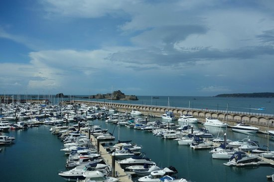Radisson Blu Waterfront Hotel, Jersey: St Helier Marina - view from room