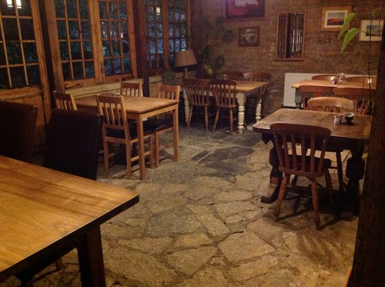 The Fox Inn: Lovely conservatory perfect for a special party