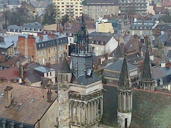 Tour Philippe le Bon : Horloge du Jacquemart sur Notre Dame