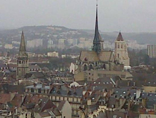 Tour Philippe le Bon : Vue de la tour philippe Lebon