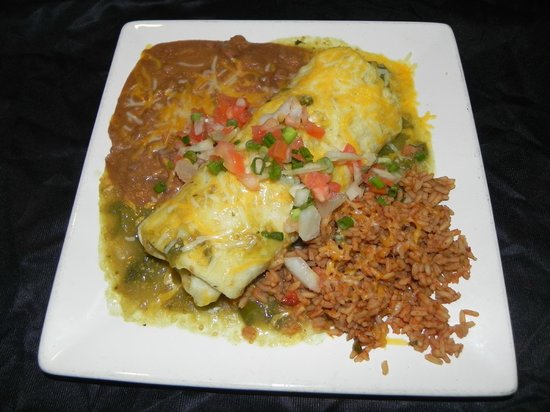 Cozy's Roadhouse: Chicken Burrito