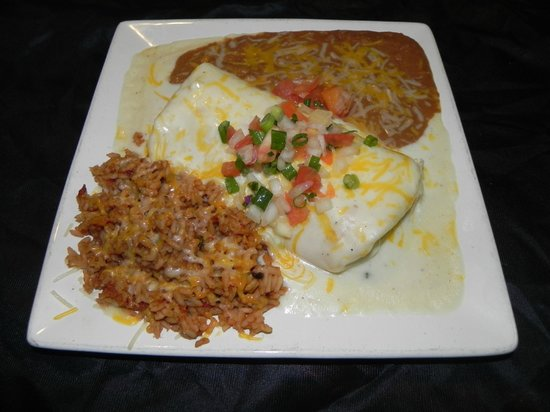 Cozy's Roadhouse: Seafood Burrito
