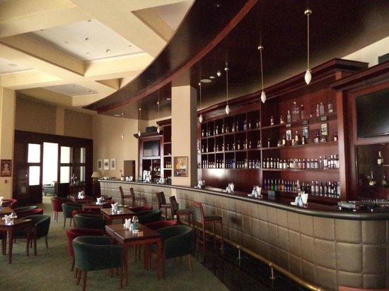 InterContinental Aqaba Resort: Бар.