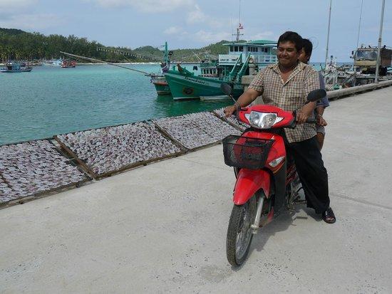Ao Chaloklum Bay : едут на рыбалку
