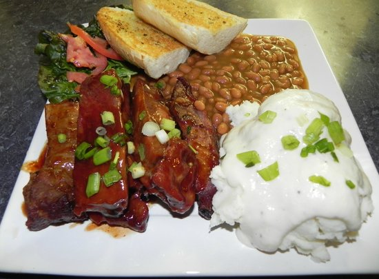 Cozy's Roadhouse: BBQ Pork Ribs