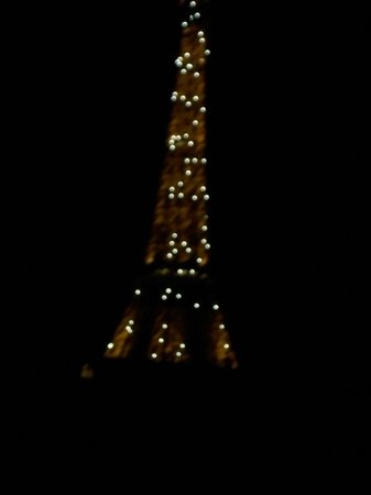 Hotel Jardins d'Eiffel: Night View