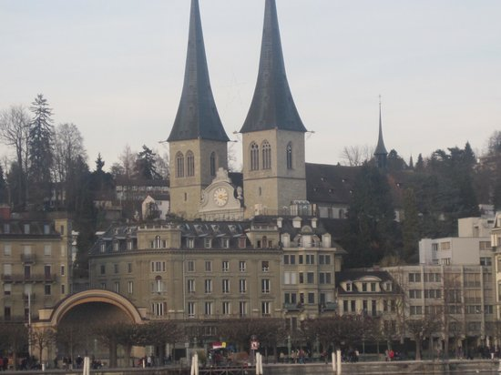 Hofkirche : church view from lake