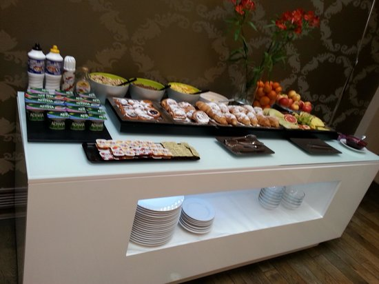 Friday Hotel Prague : Part of the breakfast choices