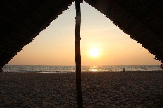 Kadappuram Beach resort: Un tramonto da incanto