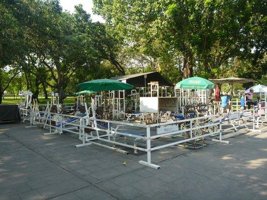 Gym 2 - Picture of Romaneenart Park, Bangkok - TripAdvisor