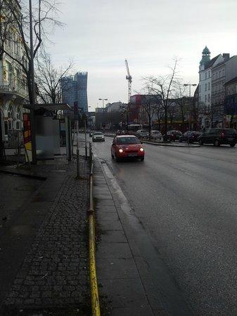 A&O Hamburg Reeperbahn : main road near hostel