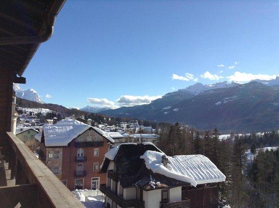 De la Poste: Вид с балкона номера, где, кстати, и позагорать можно)