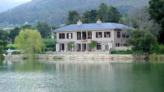 Auberge La Dauphine: La Dauphine Chateaux