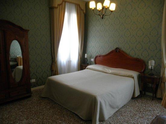 Al Palazzetto: Comfy bed