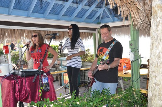 Outrigger Tiki Bar and Deckside Cafe: Entertainment at the Tiki Bar