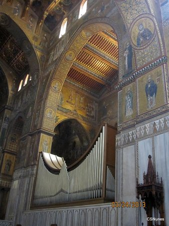 Duomo di Monreale: The organ and mosaics inside Monreale Cathedral