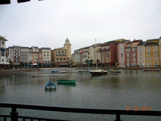 Loews Portofino Bay Hotel at Universal Orlando: Hotel View from the Boat Dock