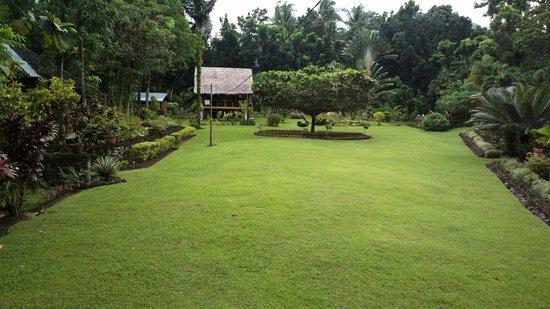 Nypa Style Resort Camiguin: giardino