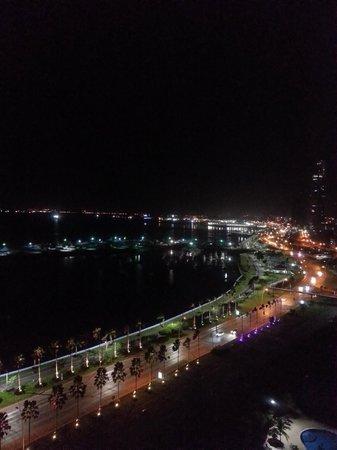 Intercontinental Miramar Panama: Vista Avenida Balboa