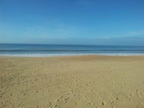 Hotel Atismar : Beach again