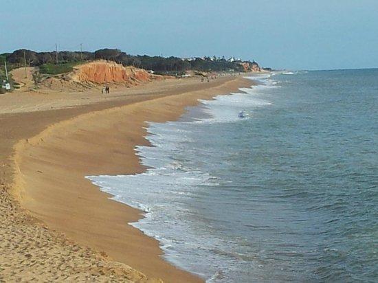 Hotel Atismar: Beach...
